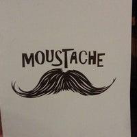 รูปภาพถ่ายที่ Moustache โดย Vincenzo R. เมื่อ 6/29/2013