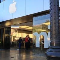 3/18/2013 tarihinde Graham W.ziyaretçi tarafından Apple Town Square'de çekilen fotoğraf