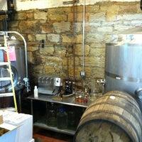 รูปภาพถ่ายที่ Portside Distillery โดย shawn m. เมื่อ 3/16/2013