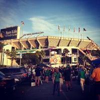 1/7/2013 tarihinde Traci C.ziyaretçi tarafından Hard Rock Stadium'de çekilen fotoğraf
