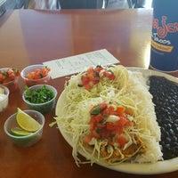 Das Foto wurde bei Baja Fish Tacos von Michael L. am 9/26/2016 aufgenommen