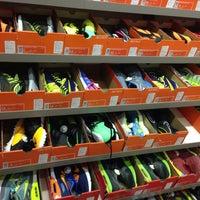 a27a669b ... Снимок сделан в Nike Дисконт Центр пользователем Екатерина С. 3/22/2015  ...