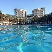 รูปภาพถ่ายที่ Cratos Premium Hotel & Casino โดย 'Cn K. เมื่อ 7/28/2013