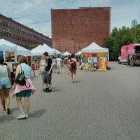 Foto scattata a South End Open Market @ Ink Block da Matthew Y. il 6/30/2013