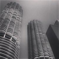 Foto tomada en Chicago Architecture Foundation River Cruise por Jamie C. el 7/14/2013