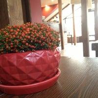 6/28/2013 tarihinde Ksu S.ziyaretçi tarafından Олімпія Сіті-Кафе'de çekilen fotoğraf
