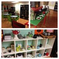 Foto diambil di Tea Gallerie oleh Elise A. pada 2/15/2014
