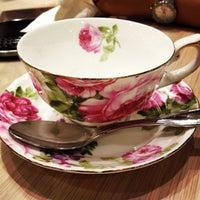 4/30/2013 tarihinde Marco T.ziyaretçi tarafından Tea Salon - The Victoria Room'de çekilen fotoğraf