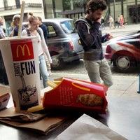 8/10/2013 tarihinde mu_ne3ziyaretçi tarafından McDonald's'de çekilen fotoğraf