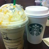 Das Foto wurde bei Starbucks von Cintia G. am 5/28/2013 aufgenommen