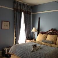 Das Foto wurde bei The Oxford Hotel von Jessica B. am 12/2/2012 aufgenommen