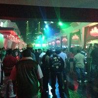 Foto tirada no(a) Velvet Room Nightclub por Dipesh P. em 4/8/2013