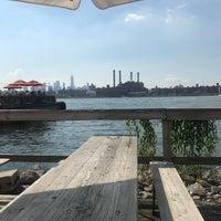 Das Foto wurde bei Brooklyn Barge von Cristina am 9/16/2018 aufgenommen