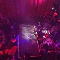 Foto scattata a Opera Teatro Bar da Super S. il 8/30/2013