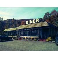 10/9/2013にRichard Alexander C.がPhoenicia Dinerで撮った写真