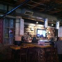 Das Foto wurde bei Headquarters Beercade von Erin K. am 7/28/2013 aufgenommen