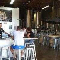 Photo prise au Belching Beaver Brewery par Erik @ S. le9/27/2013