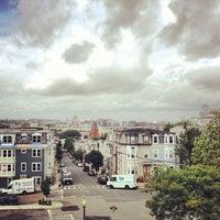Foto tirada no(a) Dorchester Heights Monument por Ryan M. em 7/29/2013