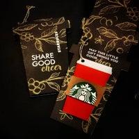 Das Foto wurde bei Starbucks von メルヴィン ゴ. am 12/1/2015 aufgenommen