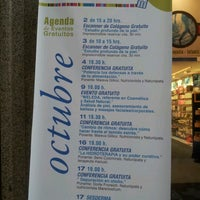 Foto tomada en Farmacia Internacional por Priscila n. el 10/26/2012