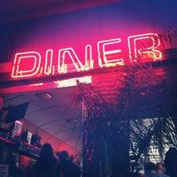 Foto tirada no(a) Silk City Diner Bar & Lounge por Mikey I. em 11/4/2012