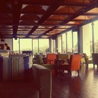 Foto tirada no(a) Suko Wine Lounge por Wayan W. em 7/25/2013