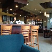 6/12/2014 tarihinde Ekaterina P.ziyaretçi tarafından Starbucks'de çekilen fotoğraf