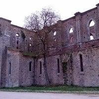 Foto scattata a Abbazia Di San Galgano da Elisa C. il 4/26/2013