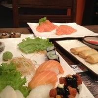 Photo prise au Anália Franco Sushi Lounge par Michelle M. le11/11/2012