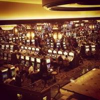 รูปภาพถ่ายที่ Horseshoe Hammond Casino โดย Ryan S. เมื่อ 8/10/2013