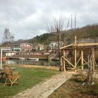Das Foto wurde bei Ağva Gizemli Nehir Hotel von Fulya I. am 3/3/2013 aufgenommen