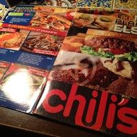 Foto diambil di Chili's Grill & Bar Restaurant oleh Tracy L. pada 10/26/2012