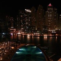Photo prise au Address Dubai Marina par Fahad le12/12/2012