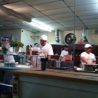 Photo prise au Antico Pizza Napoletana par Jnkm K. le4/15/2013