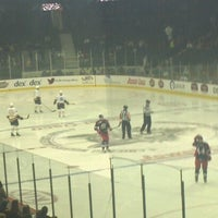 Foto tomada en Allstate Arena por Joe R. el 12/8/2012