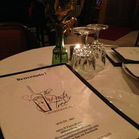 Photo prise au Pasta Tree Restaurant & Wine Bar par Danny R. le1/11/2013