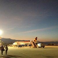 Foto tomada en Aeropuerto Internacional Palonegro (BGA) por Karl G. el 1/2/2013
