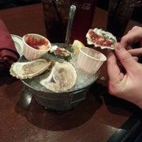 Foto tirada no(a) Molly Cool's Seafood Tavern por Devyn P. em 11/11/2012