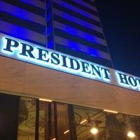 รูปภาพถ่ายที่ President Hotel Athens โดย Sakis K. เมื่อ 10/3/2012