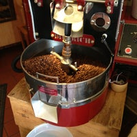 รูปภาพถ่ายที่ Ipsento Coffee House โดย Naví A. เมื่อ 4/29/2013