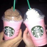 5/16/2013 tarihinde Niluh A.ziyaretçi tarafından Starbucks'de çekilen fotoğraf