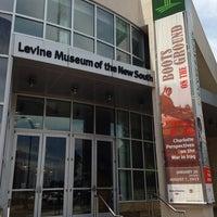 Foto diambil di Levine Museum of the New South oleh Chris C. pada 7/30/2013