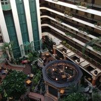 10/10/2012 tarihinde Alex W.ziyaretçi tarafından Embassy Suites by Hilton Santa Ana Orange County Airport'de çekilen fotoğraf