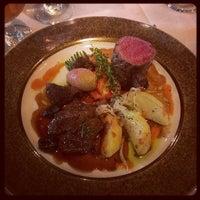 Foto tirada no(a) Refectory Restaurant and Bistro por Terry P. em 7/14/2013