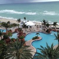 12/4/2012 tarihinde Dan P.ziyaretçi tarafından Trump International Beach Resort'de çekilen fotoğraf