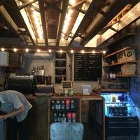 Foto tirada no(a) Birch Coffee por Andrew J. em 8/3/2014