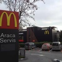 Foto scattata a McDonald's da Harun il 12/31/2012