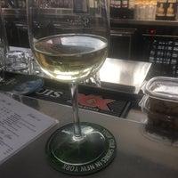Foto tomada en Cascata Restaurant & Bar por Jermel M. el 6/13/2018