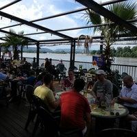 7/5/2013에 Colin B.님이 Dukes Bar & Grille에서 찍은 사진