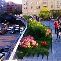 Das Foto wurde bei High Line von its Golda am 6/20/2013 aufgenommen